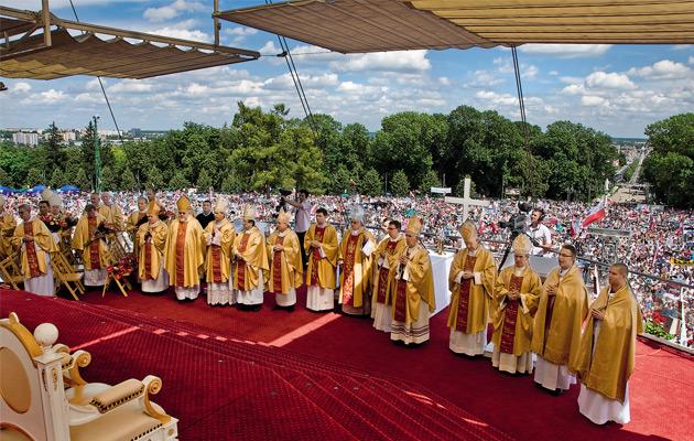 Polscy biskupi: Tak dla pokoju i rozwoju narodów! Nie dla wojny i zabijania!