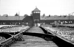 Wiara i próby wypełniania praktyk religijnych w Auschwitz