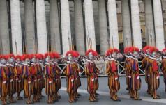 Watykan: przysięga nowych gwardzistów