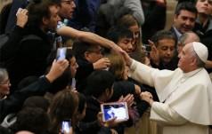 Papież do związkowców: rządzi  bóg-pieniądz