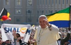 Papież do Polaków: Niech religia cieszy się wolnością, a ojczyzna rozwija w pokoju