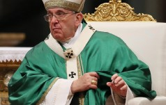 """""""Anioł Pański"""": papież zachęca do wspierania modlitwą prac Synodu"""