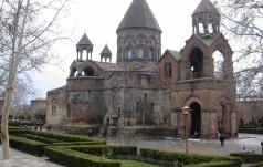 Armenia: Kościół ormiański kanonizował półtora miliona ofiar ludobójstwa sprzed stu lat