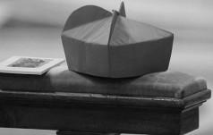Rzym: zmarł b. sekretarz Papieskiej Rady ds. Środków Społecznego Przekazu