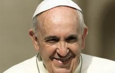 Papież prosi Polaków o modlitwę za narzeczonych