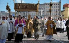 Abp Kupny: to, co dzieli, przeszkadza w pełnym uczestnictwie w Eucharystii