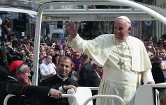 Papież pozdrowił uczniów polskich gimnazjów