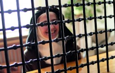Papież do zakonnic kontemplacyjnych: ostrożnie korzystajcie z nowych mediów