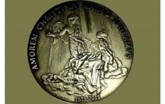 Watykan: medal na 3. rok pontyfikatu bez wizerunku Papieża