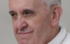 Franciszek: Maryi ofiarujmy nasze radości, nasze smutki i nasze nadzieje