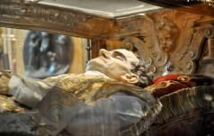 Włochy: relikwie św. Jana Bosko powróciły w jego strony rodzinne