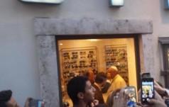 Rzym: papież u optyka
