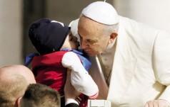 Papież: nie pozwólmy, by dzieci okradziono z radości