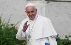 Watykan: osobistości obecne na ceremonii wręczenia papieżowi Nagrody Karola