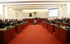 Warszawa: ŚDM 2016, młodzież, uchodźcy - 370. zebranie KEP