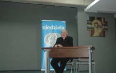 Ks. K. Szymonik o muzyce w nauczaniu papieża Benedykta XVI