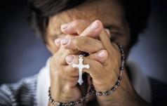 """Francja: """"Noc świadków"""" - modlitwy za prześladowanych chrześcijan"""