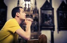 Bp Lityński: Piękno naszych świątyń prowadzi do głębi modlitwy