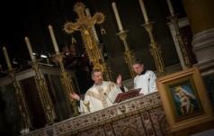 Bp Józef Guzdek u Polonii w Londynie