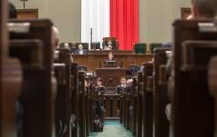 Sejm upamiętnił wydarzenia z Czerwca 1976 r. i postać ks. Romana Kotlarza