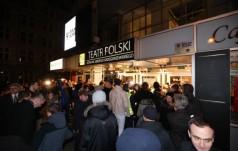 Modlitwa przed teatrem. Aresztowano 20 osób
