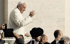 Papież spotkał się z władzami Ugandy