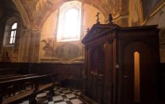 Konfesjonał stanowi niezwykłą przestrzeń miłosierdzia