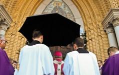 Łodź: diecezjanie modlą się za Ojczyznę