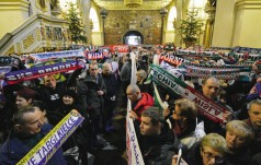 Jasna Góra: 2 tys. kibiców na dorocznej patriotycznej pielgrzymce
