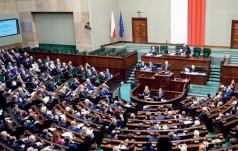 Burzliwa debata w Sejmie nad programem 500+