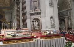 Relikwie świętych Ojca Pio i Leopolda Mandicia w Watykanie