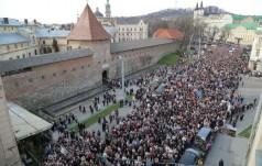 Lwów: 30 tysięcy wiernych na Drodze Krzyżowej