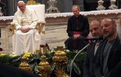 """Papież do uczestników nabożeństwa """"Osuszenia łez"""": modlitwa jest lekarstwem na nasze cierpienie"""