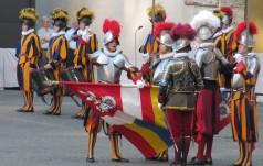 Watykan: więcej rekrutów w Gwardii Szwajcarskiej