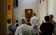 Relikwie św. Jana Pawła II trafiły do szpitala MSW w Warszawie