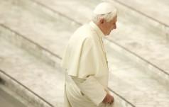 Benedykt XVI przerywa milczenie