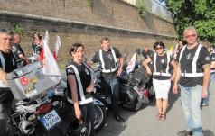 Na motorach do Papieża