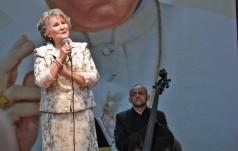 """Irena Santor wyróżniona """"za twórczy wkład w kulturę chrześcijańską"""""""