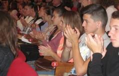 Kard. Nycz do młodzieży polonijnej: okazywanie miłosierdzia – istotą Ewangelii