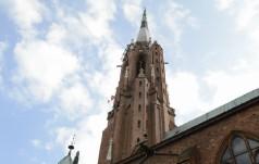 Bielawa: trwa remont dachu jednej z najwyższych wież kościoła w Polsce