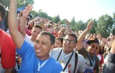 Sosnowiec: międzynarodowy tłum uczestników ŚDM na Placu Papieskim