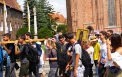 Poznań: 2,5 tysiąca młodych podczas wielbienia i modlitwy wieńczącej Dni w Diecezji