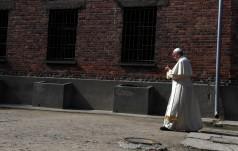 Prasa niemieckojęzyczna pod wrażeniem pobytu Franciszka w Auschwitz