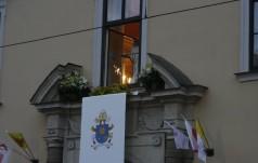 """Franciszek w oknie papieskim: """"Wszyscy jesteśmy grzeszni"""""""