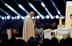 Młodzi modlili się z papieżem o pokój i wsparcie dla cierpiących