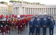 Żandarmeria watykańska i Gwardia Szwajcarska razem świętują