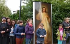 """To była """"Iskra"""" Młodości! - Koronka do Bożego Miłosierdzia na ulicach Częstochowy"""