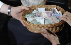 Ile trafia do kieszeni księdza