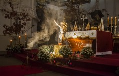 III Noc Wszystkich Świętych w sanktuarium w Krzeszowie