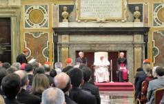 Papież Franciszek wręczył Nagrodę Ratzingera